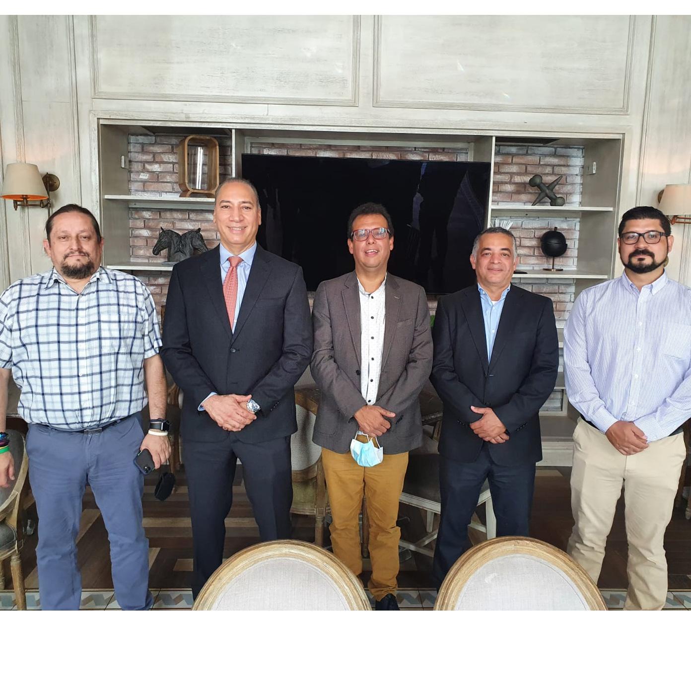 ClúterSoft RD realiza importante reunión empresa Ethosweb Colombia